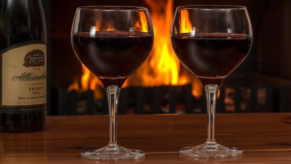 Milí návštěvníci máte možnost od 9. 10. si po 20 hodině zakoupit víno s sebou